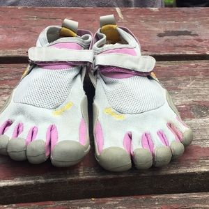 Vibram five fingers walking/ trail running shoes